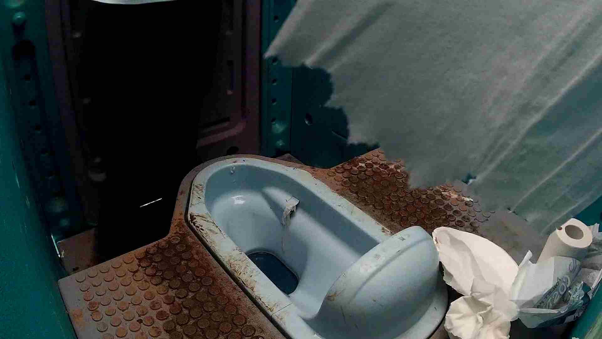 痴態洗面所 Vol.07 んーっ設置のむずかしさ、また「紙」様が・・・ 洗面所着替え | OL  86連発 25