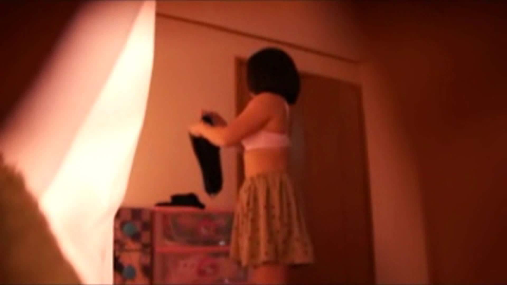 vol.2 まりこさんのお着替え、就寝前の映像です。 OL | 着替え  82連発 2