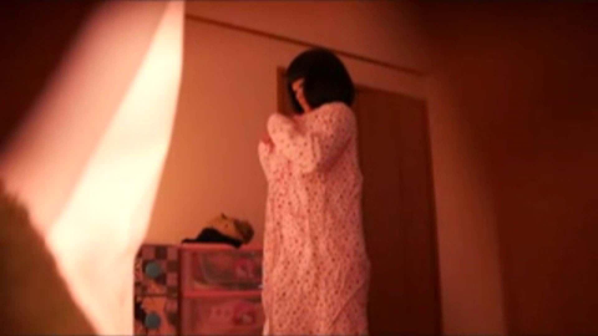 vol.2 まりこさんのお着替え、就寝前の映像です。 OL | 着替え  82連発 34