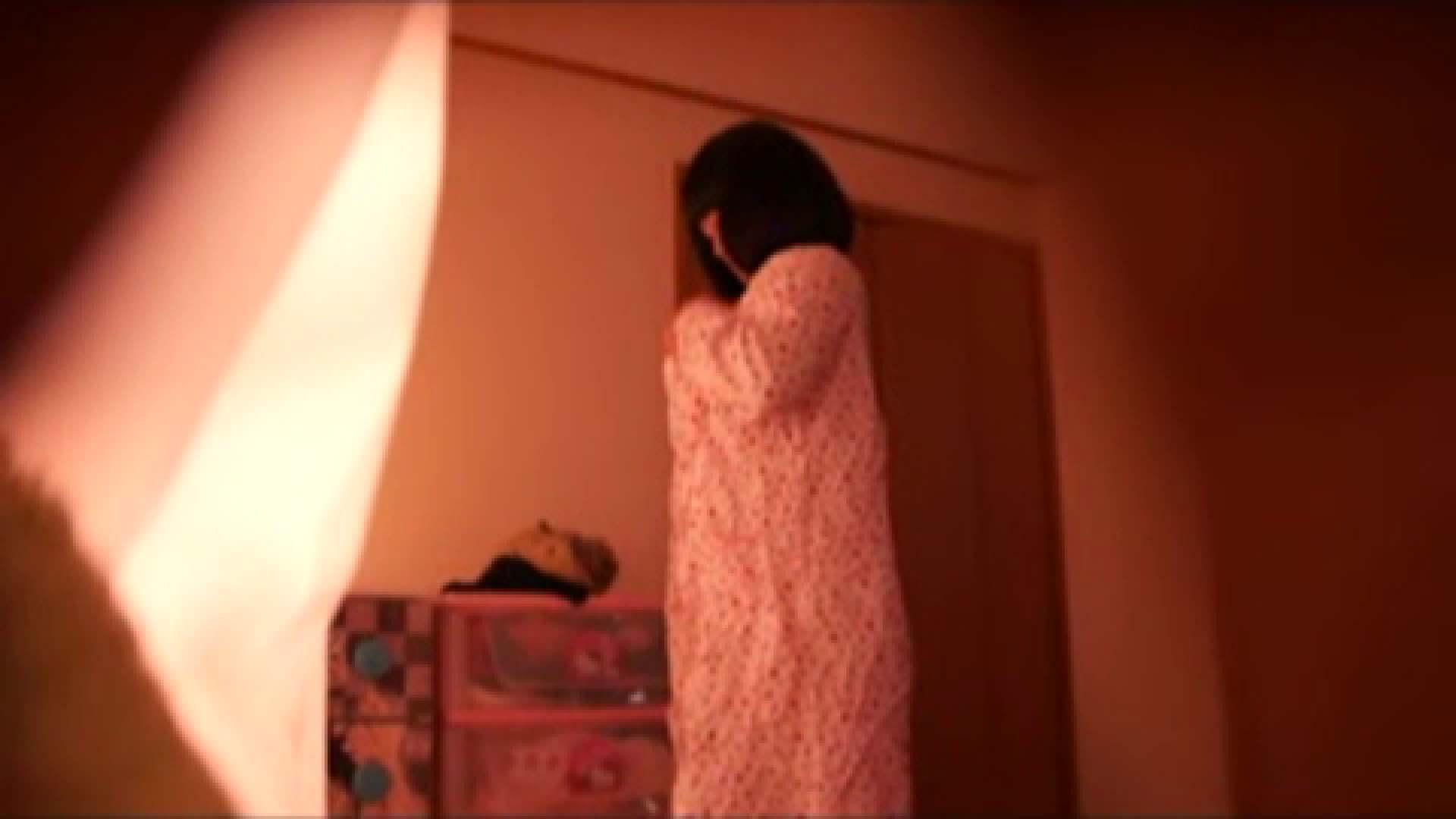 vol.2 まりこさんのお着替え、就寝前の映像です。 OL | 着替え  82連発 42