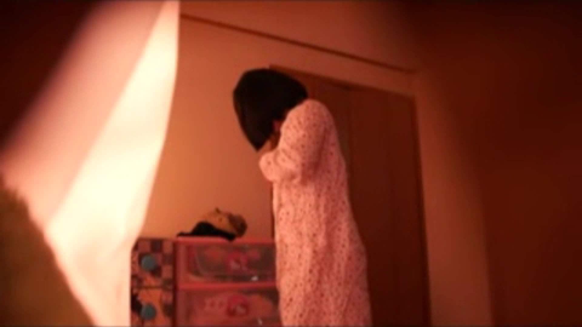 vol.2 まりこさんのお着替え、就寝前の映像です。 OL | 着替え  82連発 58