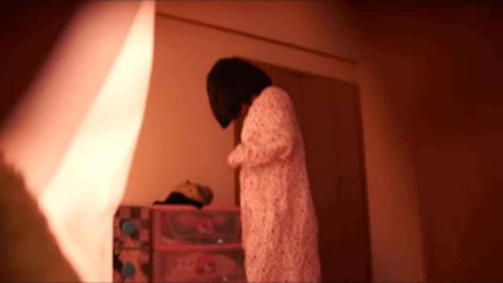 vol.2 まりこさんのお着替え、就寝前の映像です。 OL | 着替え  82連発 59