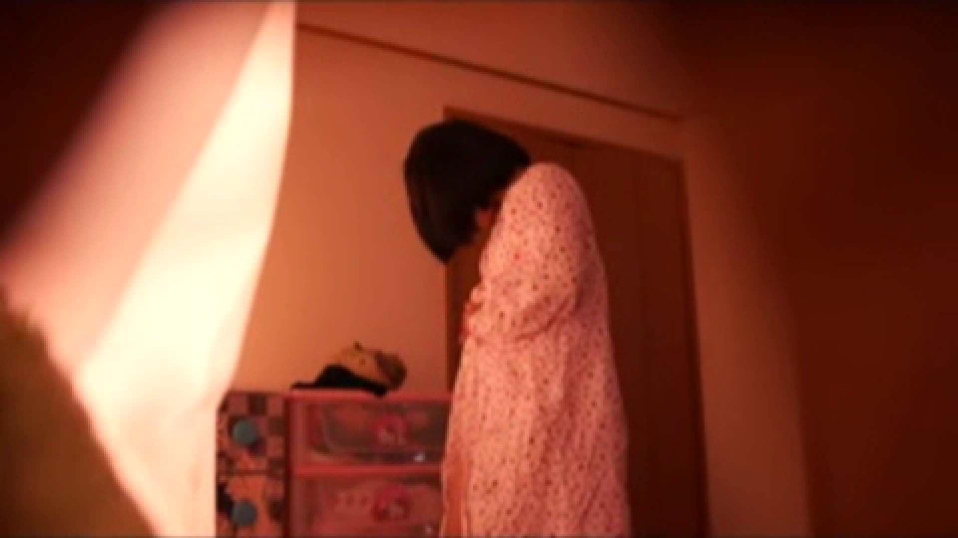 vol.2 まりこさんのお着替え、就寝前の映像です。 OL | 着替え  82連発 70