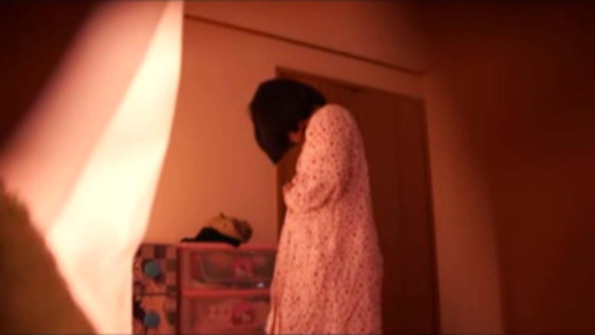 vol.2 まりこさんのお着替え、就寝前の映像です。 OL | 着替え  82連発 72