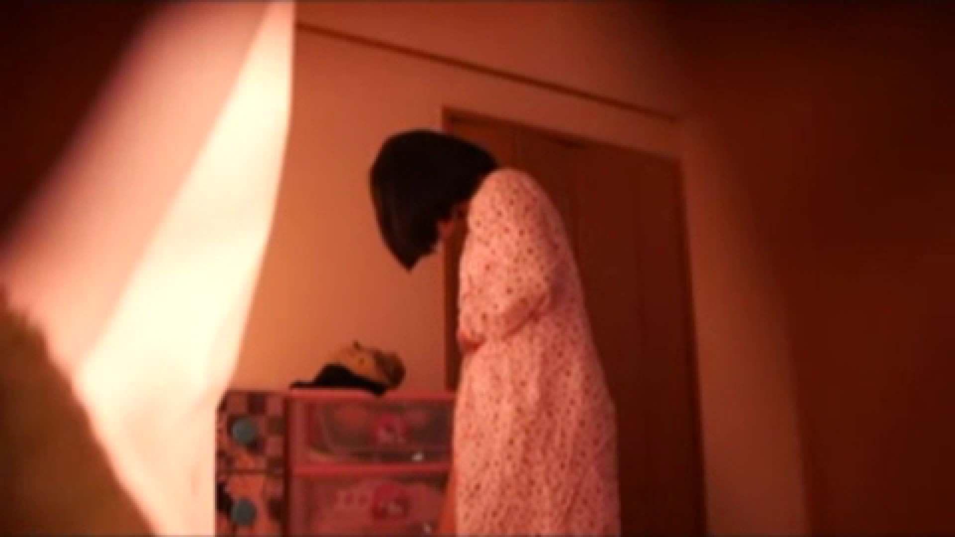 vol.2 まりこさんのお着替え、就寝前の映像です。 OL | 着替え  82連発 76