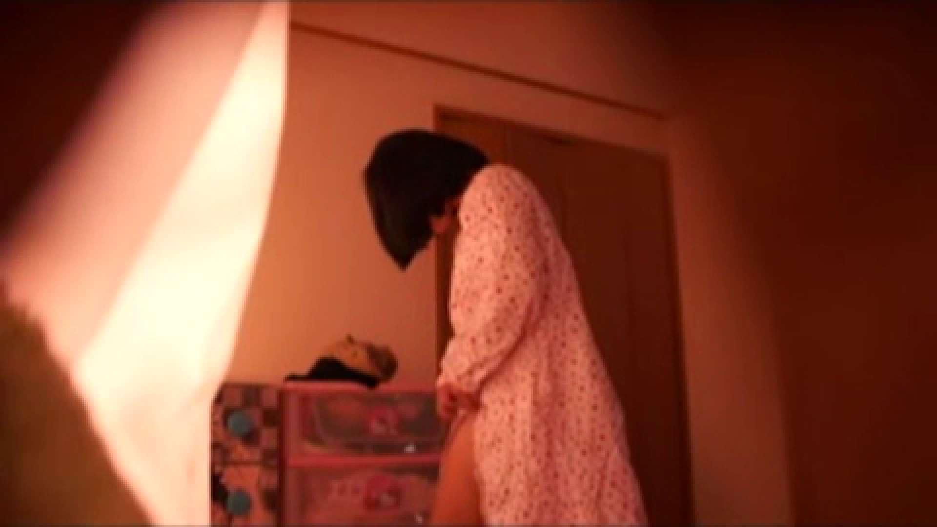 vol.2 まりこさんのお着替え、就寝前の映像です。 OL | 着替え  82連発 78