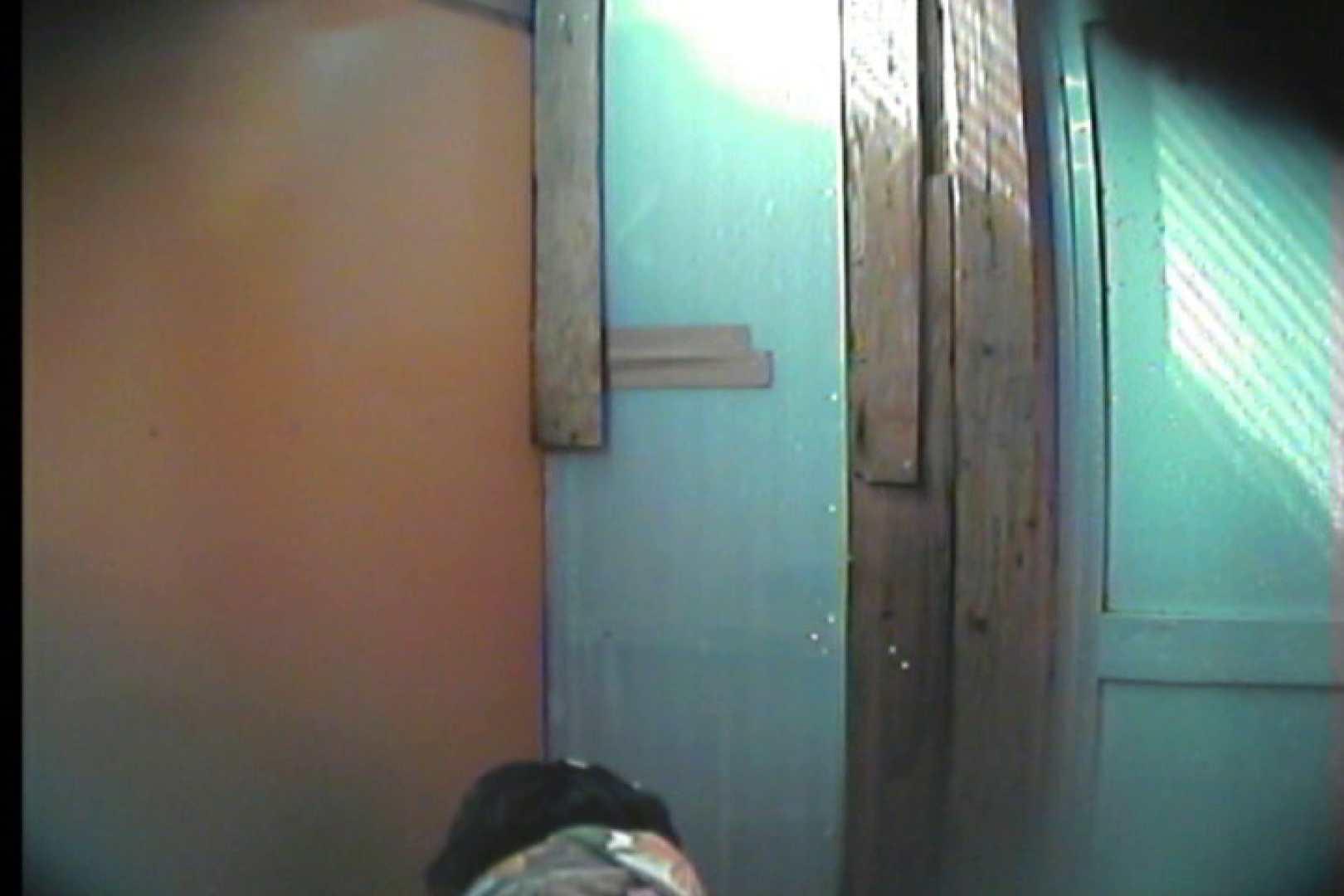 海の家の更衣室 Vol.17 シャワー中   美女達のヌード  53連発 39
