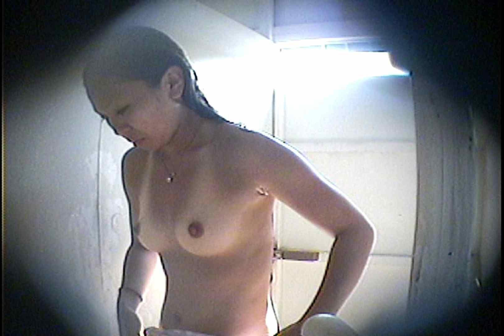 海の家の更衣室 Vol.26 美女達のヌード   シャワー中  70連発 45