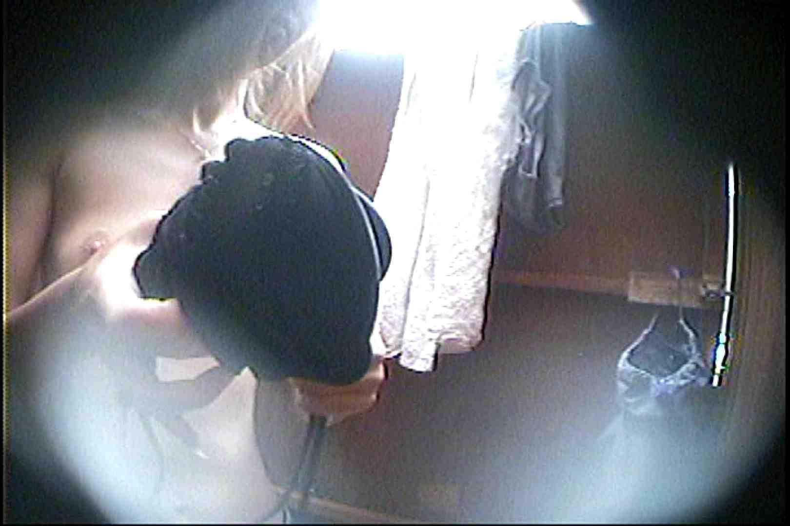海の家の更衣室 Vol.27 シャワー中 | OL  80連発 34