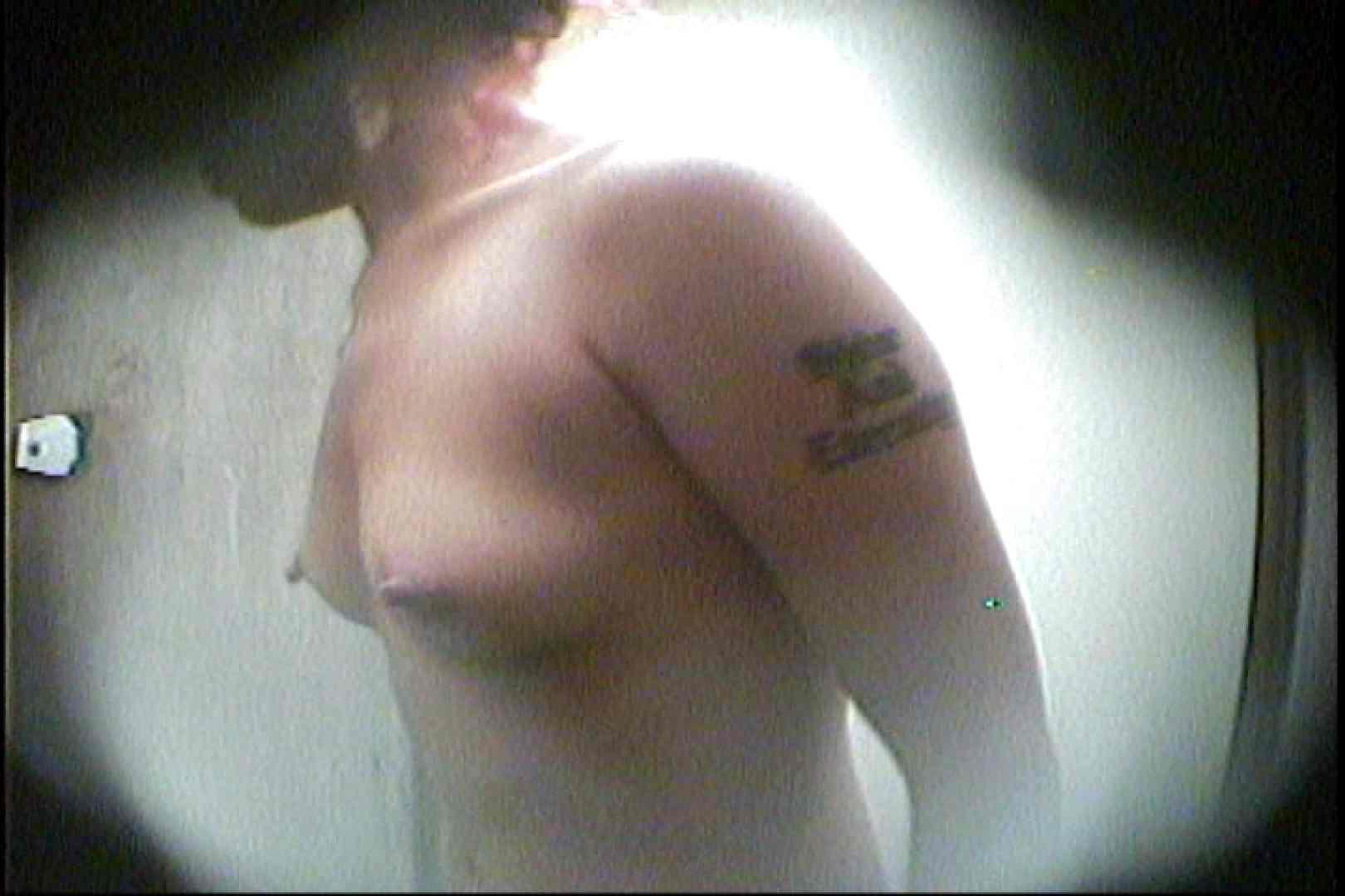 海の家の更衣室 Vol.29 OL   シャワー中  45連発 4