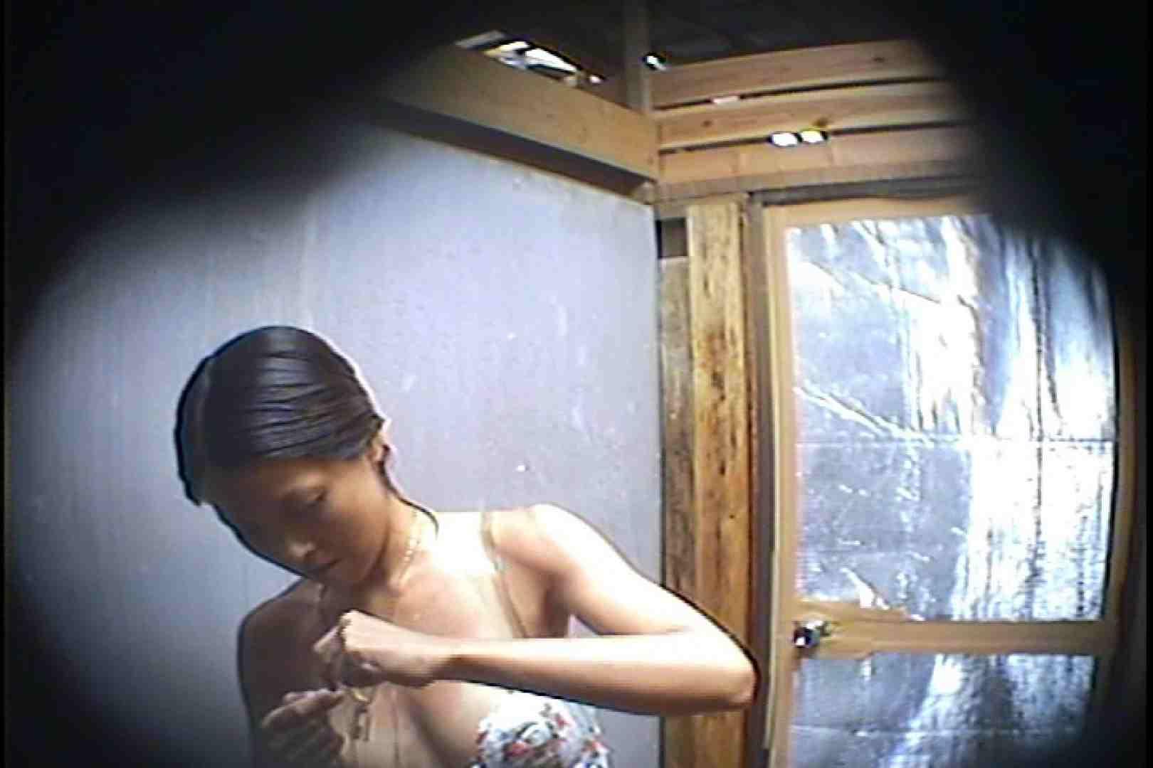 海の家の更衣室 Vol.45 シャワー中 | 美女達のヌード  64連発 5