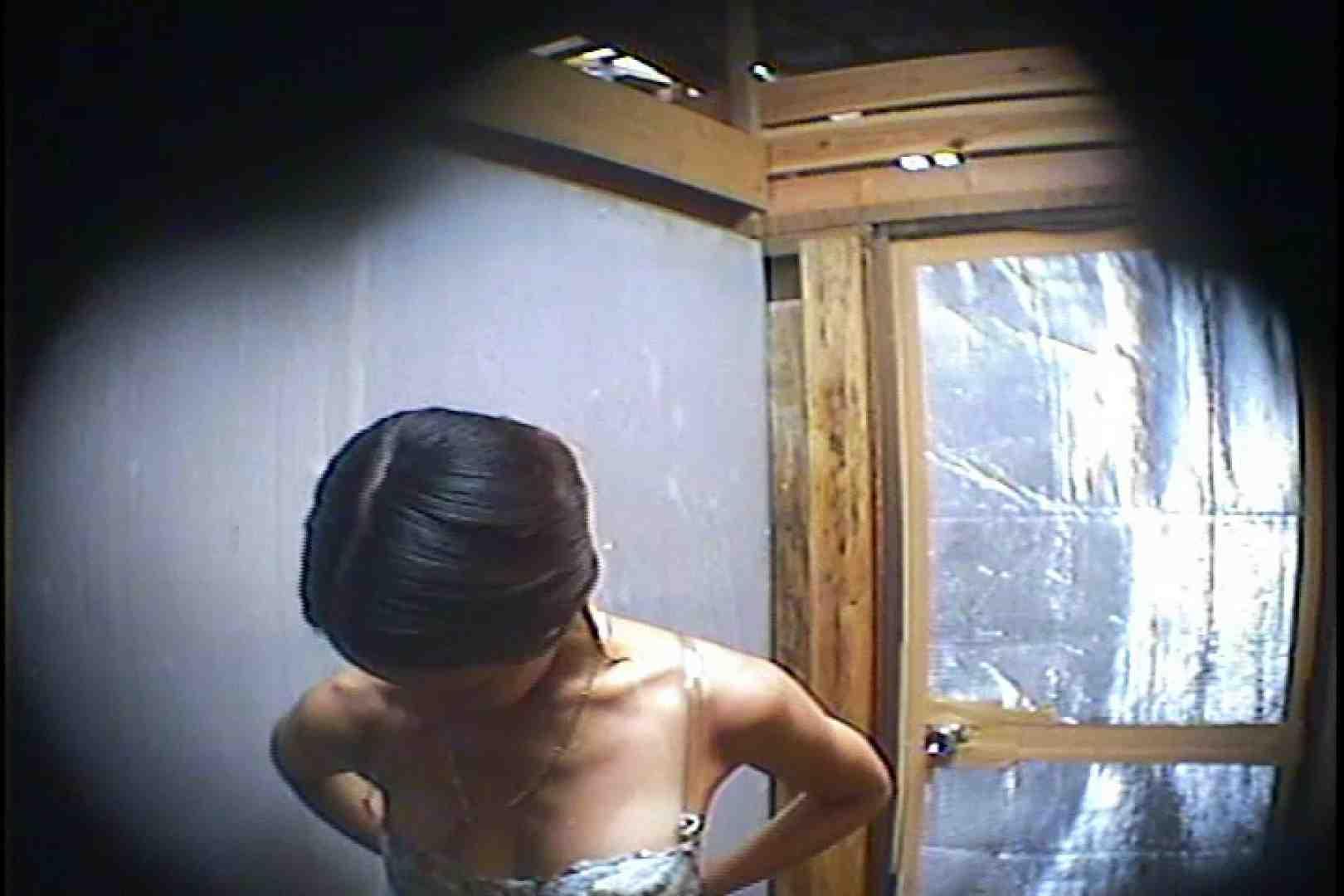 海の家の更衣室 Vol.45 シャワー中 | 美女達のヌード  64連発 6