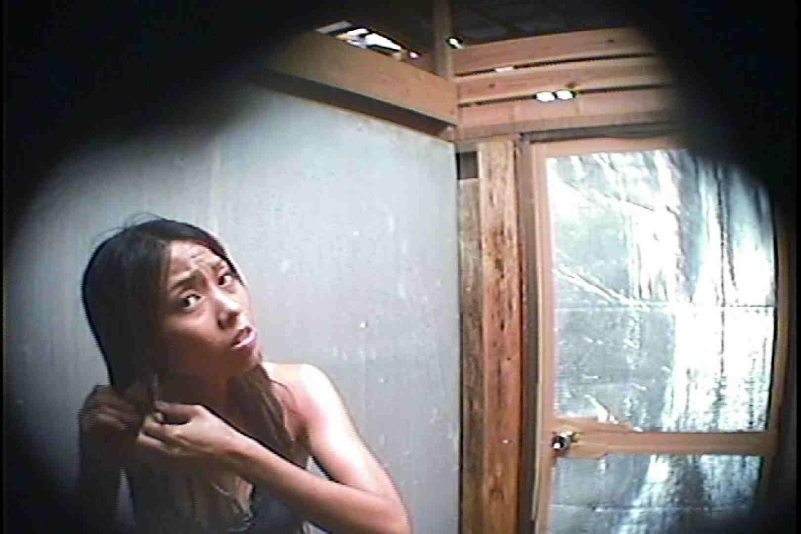 海の家の更衣室 Vol.45 シャワー中 | 美女達のヌード  64連発 10