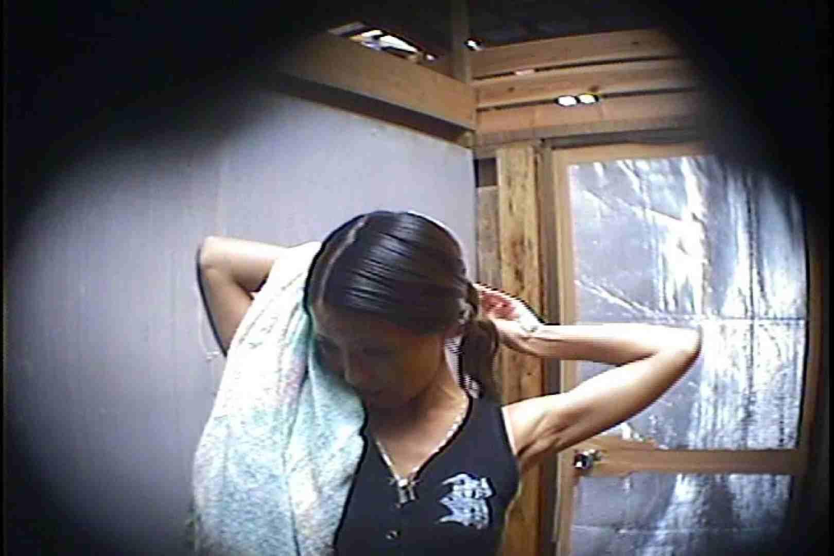 海の家の更衣室 Vol.45 シャワー中 | 美女達のヌード  64連発 14