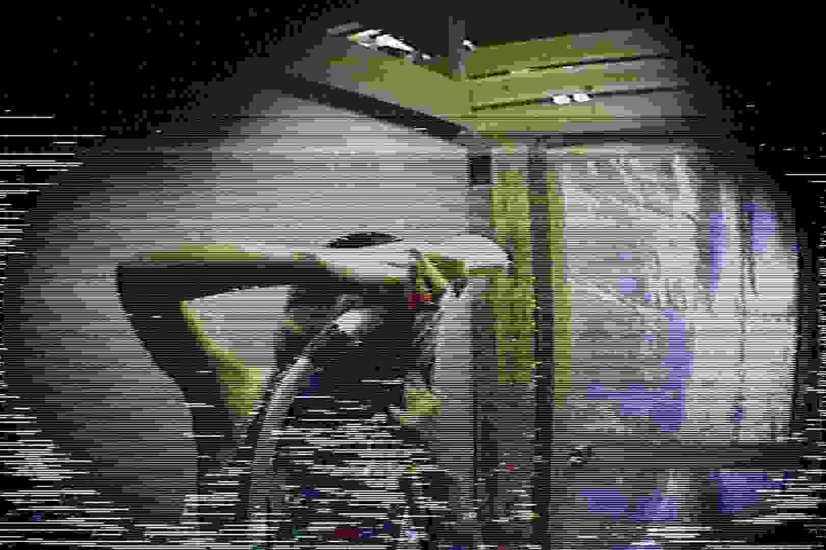 海の家の更衣室 Vol.45 シャワー中 | 美女達のヌード  64連発 22