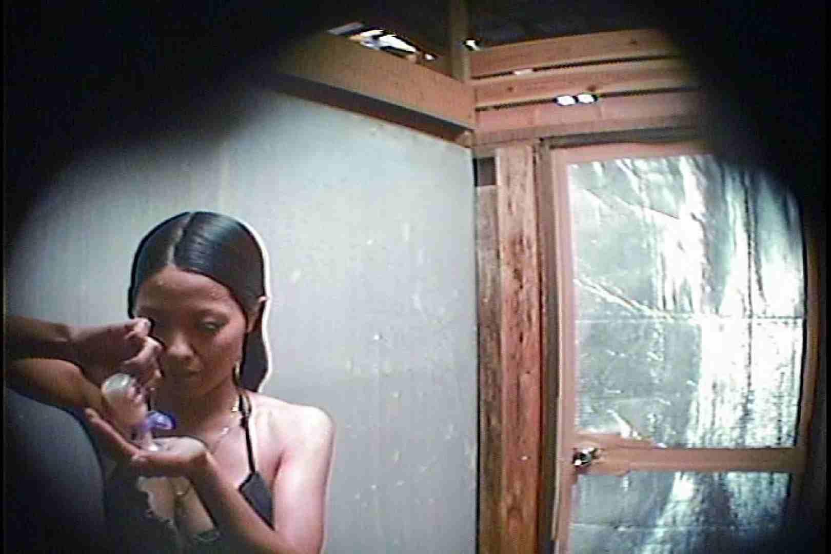 海の家の更衣室 Vol.45 シャワー中 | 美女達のヌード  64連発 23