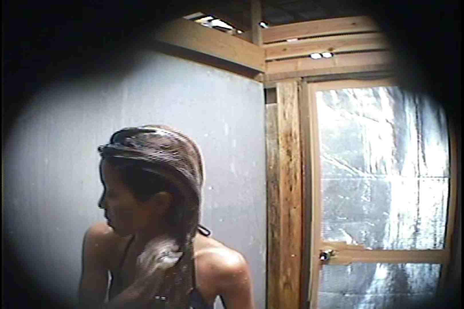 海の家の更衣室 Vol.45 シャワー中 | 美女達のヌード  64連発 24