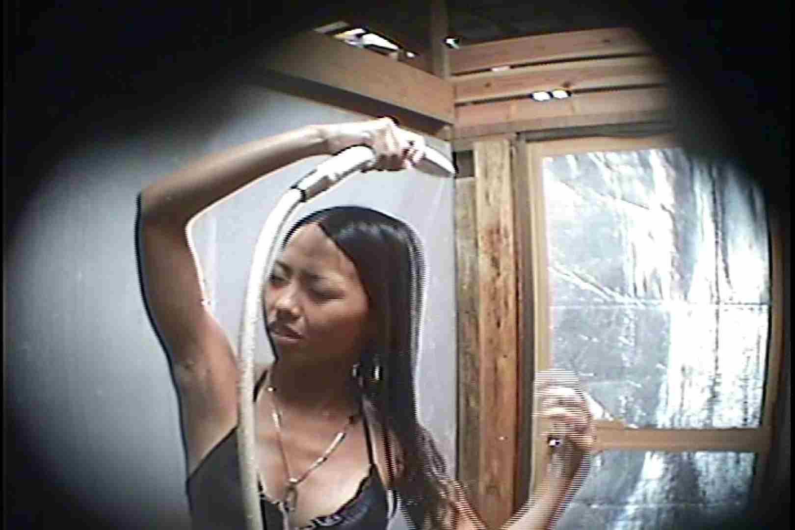 海の家の更衣室 Vol.45 シャワー中 | 美女達のヌード  64連発 35