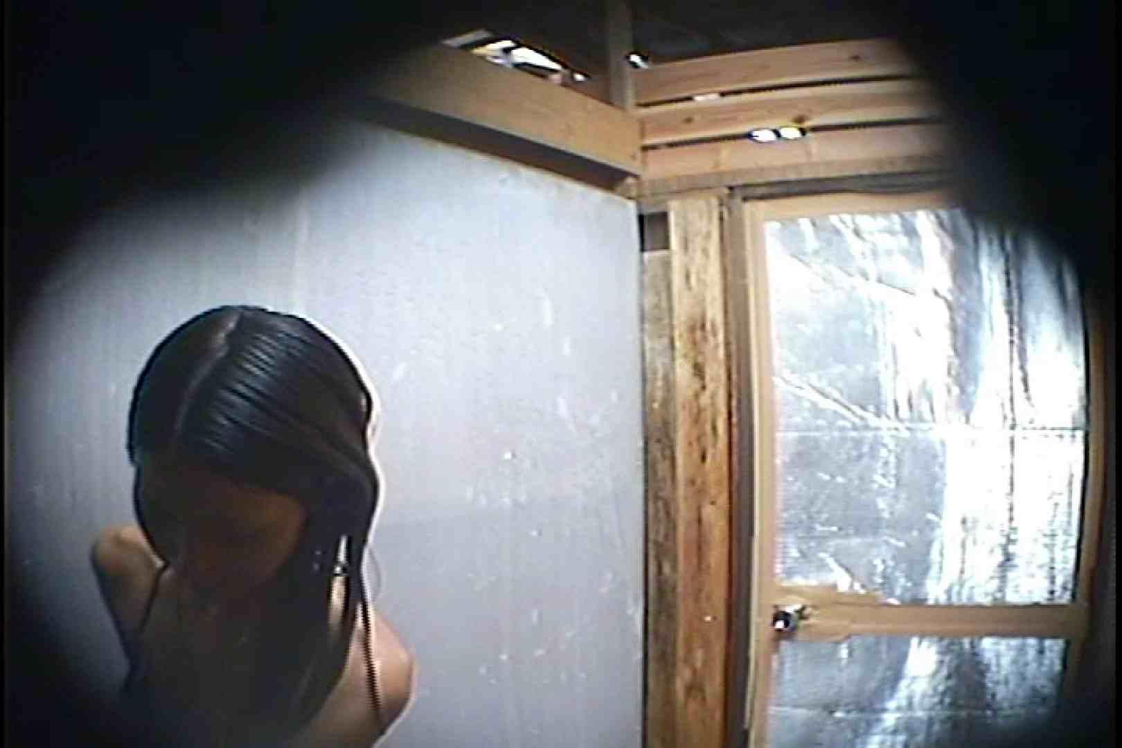 海の家の更衣室 Vol.45 シャワー中 | 美女達のヌード  64連発 38