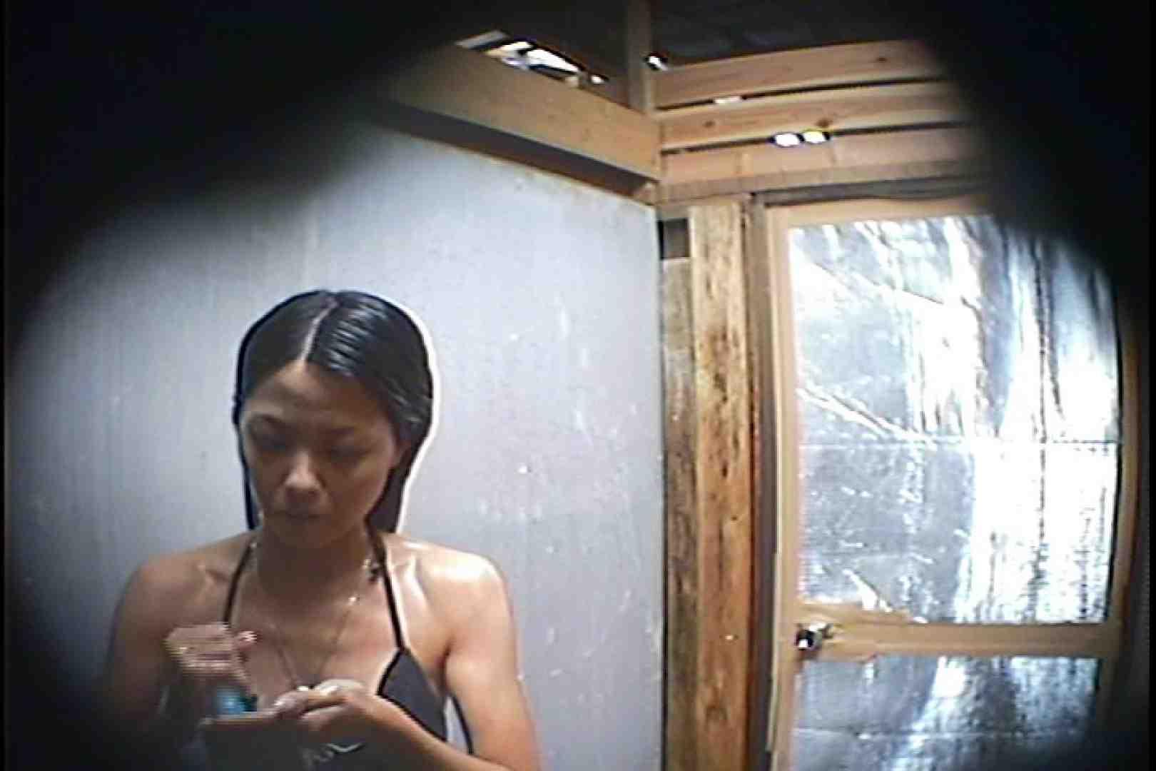 海の家の更衣室 Vol.45 シャワー中 | 美女達のヌード  64連発 44