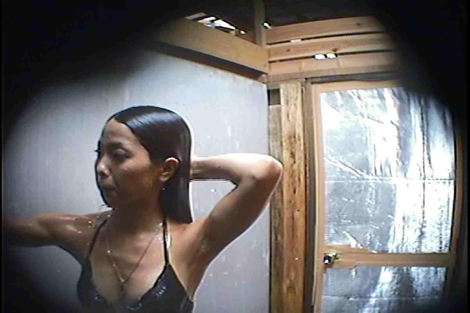 海の家の更衣室 Vol.45 シャワー中 | 美女達のヌード  64連発 49