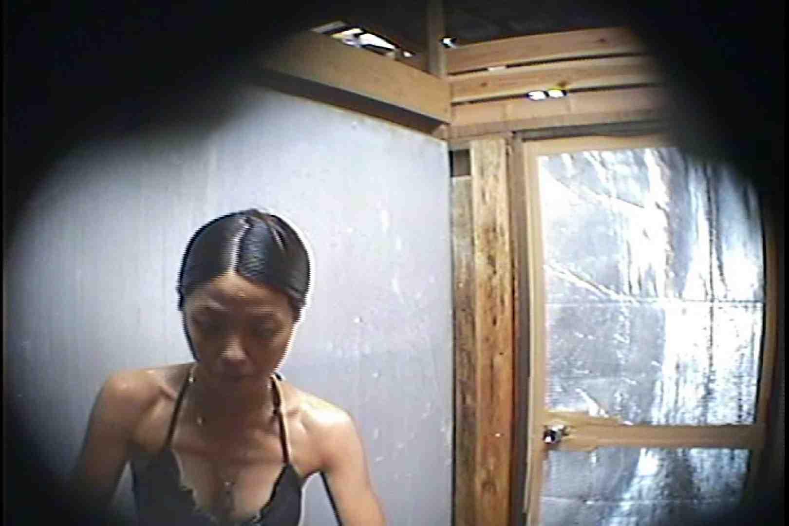 海の家の更衣室 Vol.45 シャワー中 | 美女達のヌード  64連発 51
