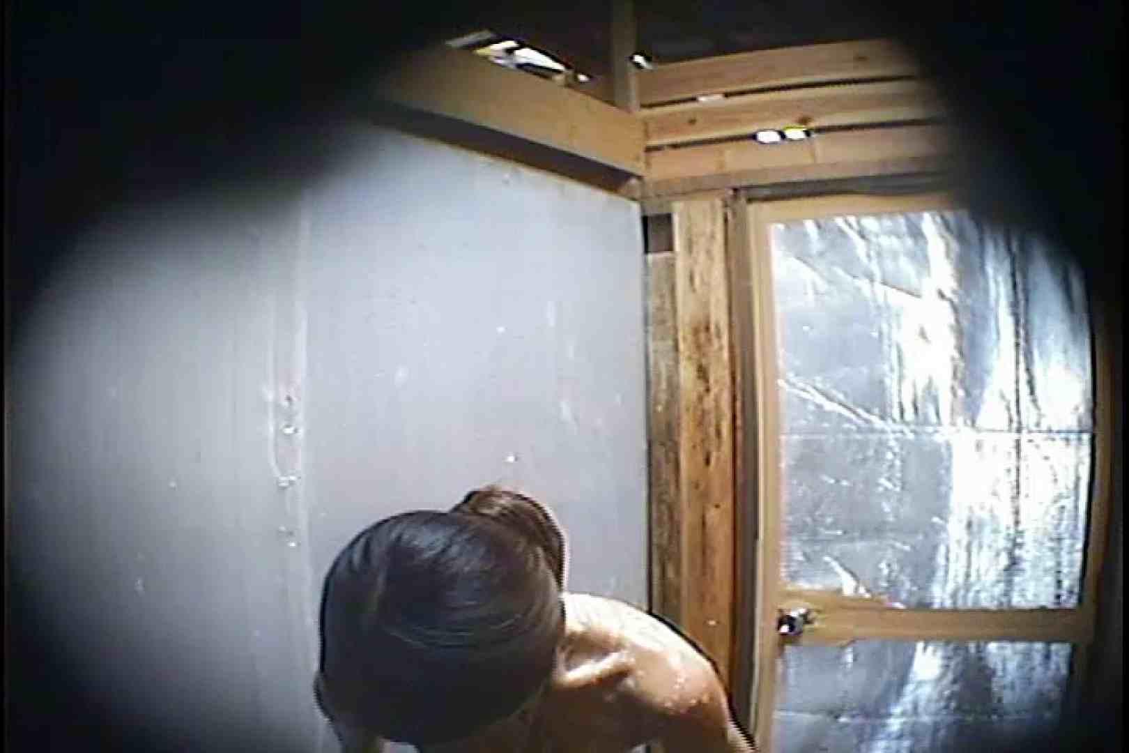 海の家の更衣室 Vol.45 シャワー中 | 美女達のヌード  64連発 56