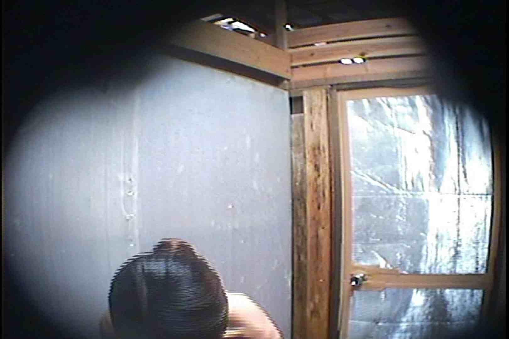 海の家の更衣室 Vol.45 シャワー中 | 美女達のヌード  64連発 64