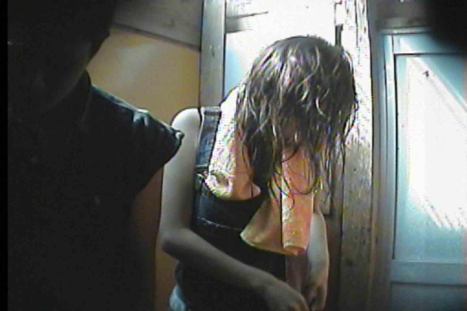 海の家の更衣室 Vol.47 シャワー中 | OL  53連発 9