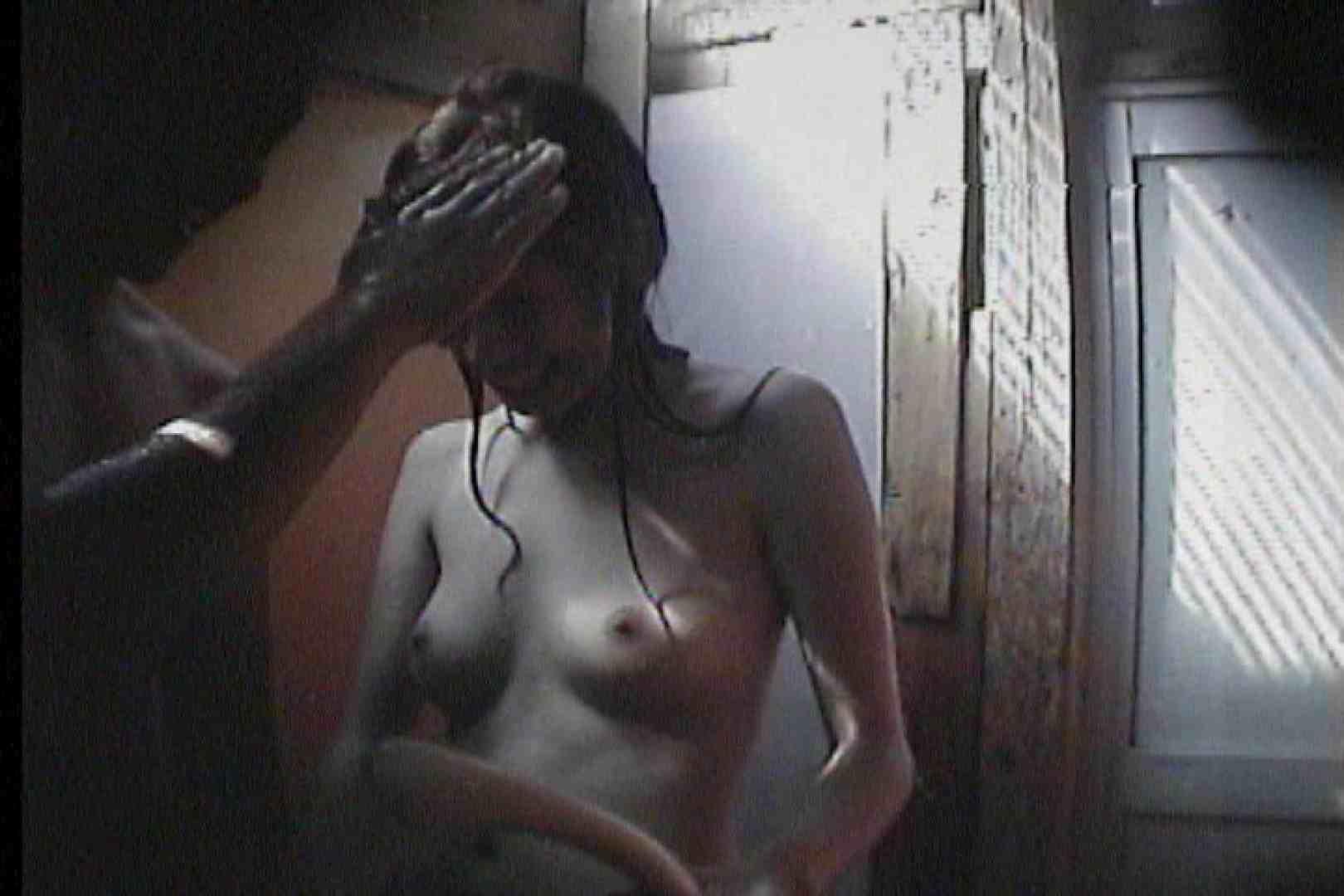 海の家の更衣室 Vol.47 シャワー中 | OL  53連発 23