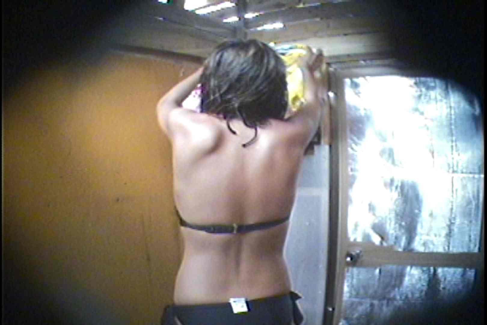 海の家の更衣室 Vol.56 シャワー中   美女達のヌード  69連発 21