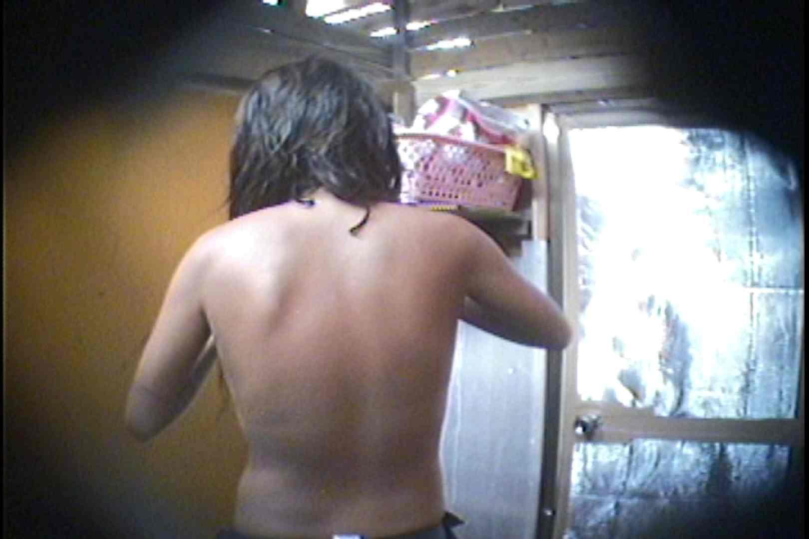 海の家の更衣室 Vol.56 シャワー中   美女達のヌード  69連発 34