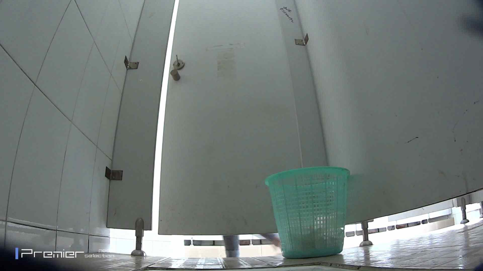 美しい女良たちのトイレ事情 有名大学休憩時間の洗面所事情06 盗撮エロすぎ | トイレ中  55連発 13