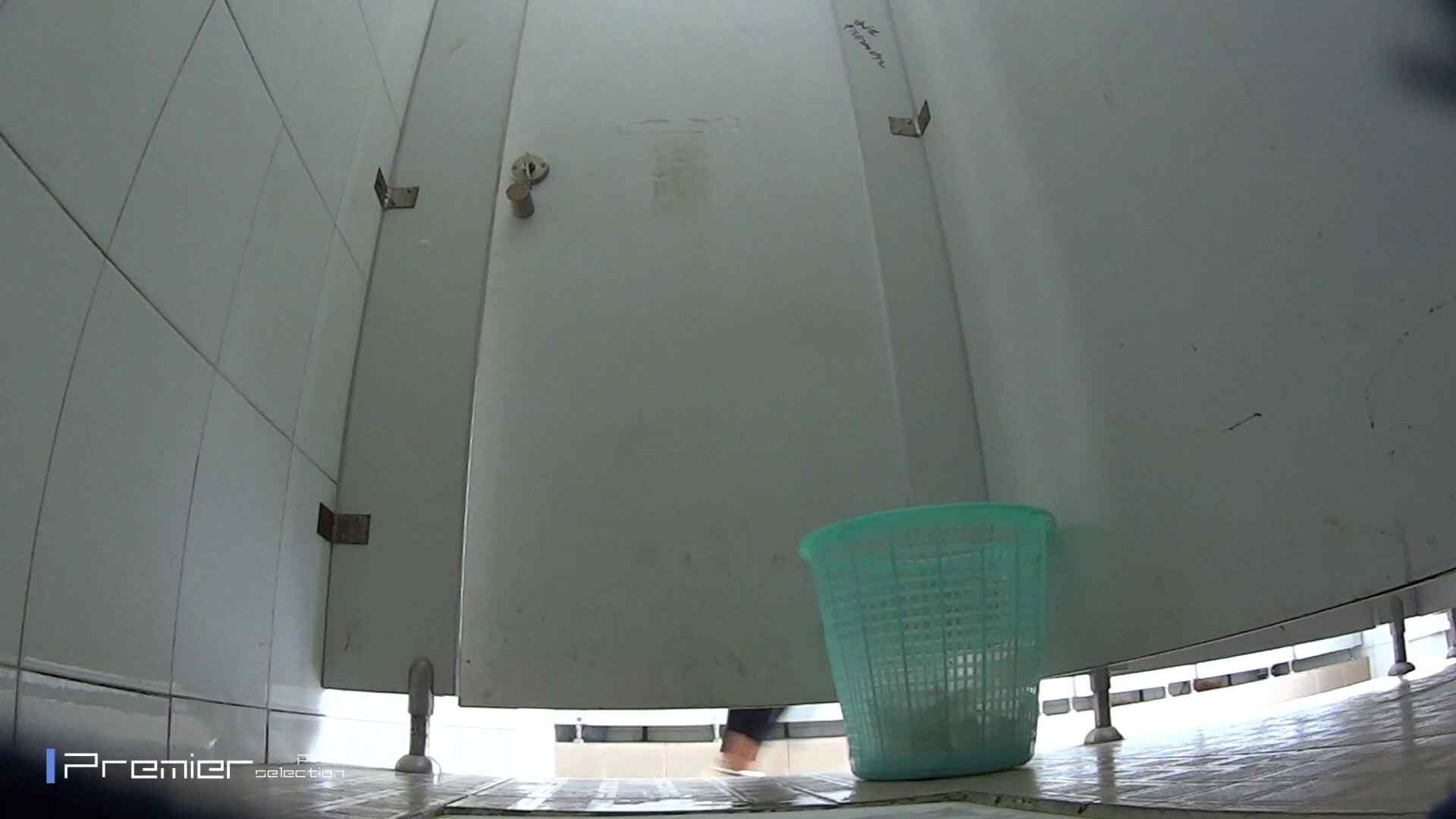 美しい女良たちのトイレ事情 有名大学休憩時間の洗面所事情06 盗撮エロすぎ | トイレ中  55連発 22
