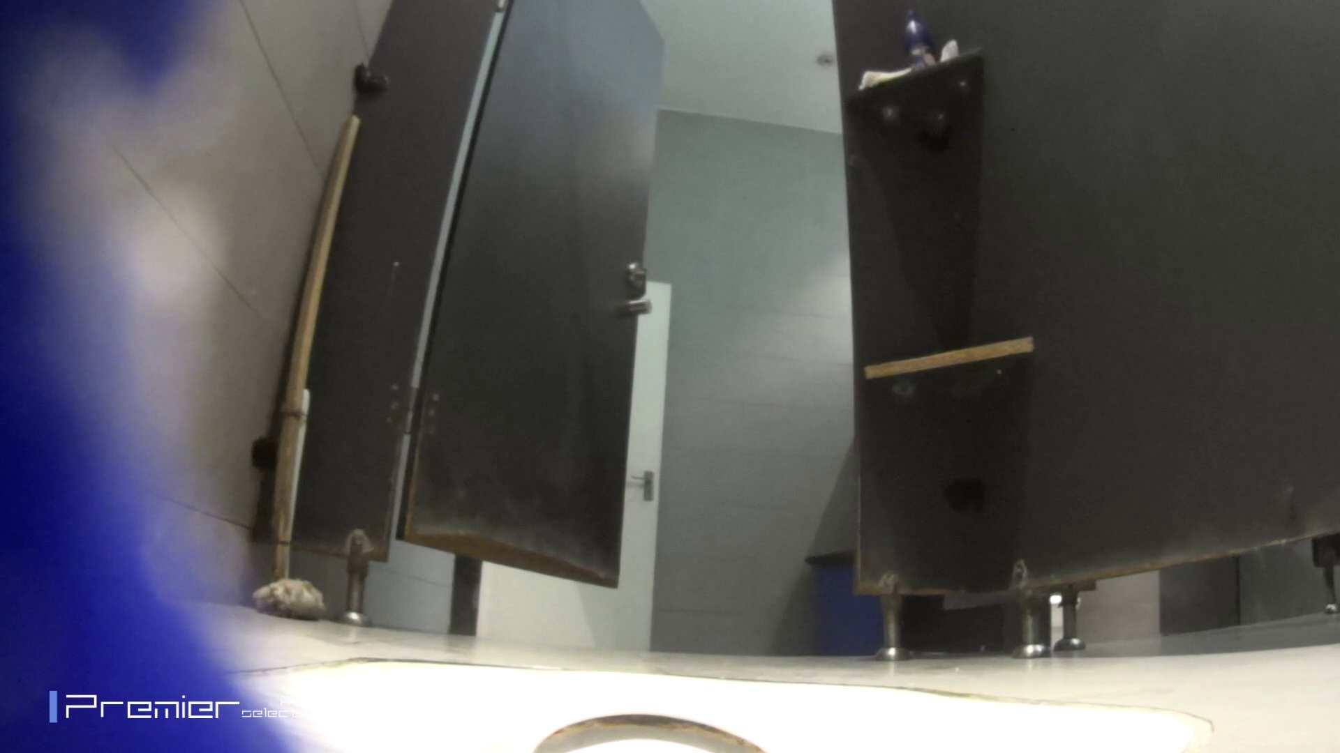 真夏のギャルの洗面所 大学休憩時間の洗面所事情52 洗面所着替え | お姉さん達のヌード  99連発 53