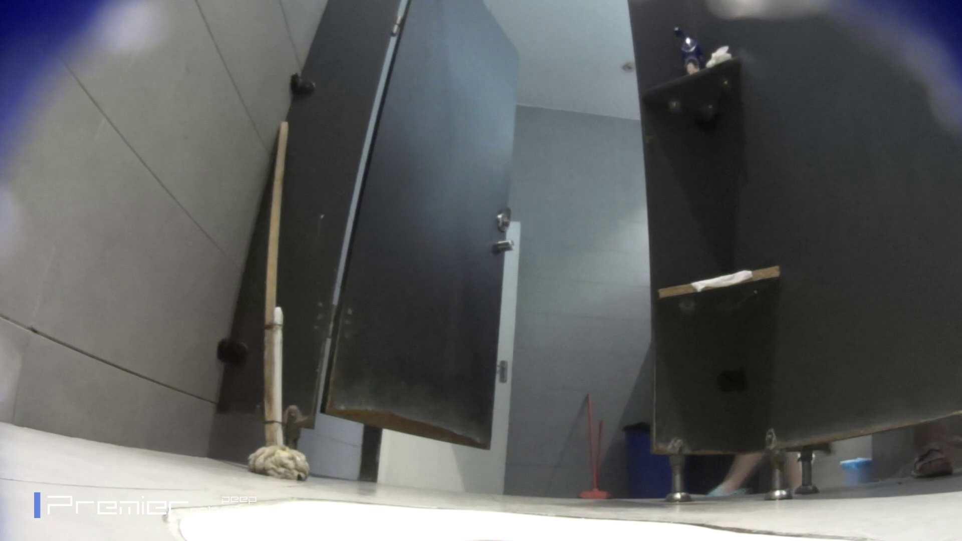 トイレットペーパーを握りしめ個室に入る乙女 大学休憩時間の洗面所事情83 うんこ好き | 洗面所着替え  21連発 1