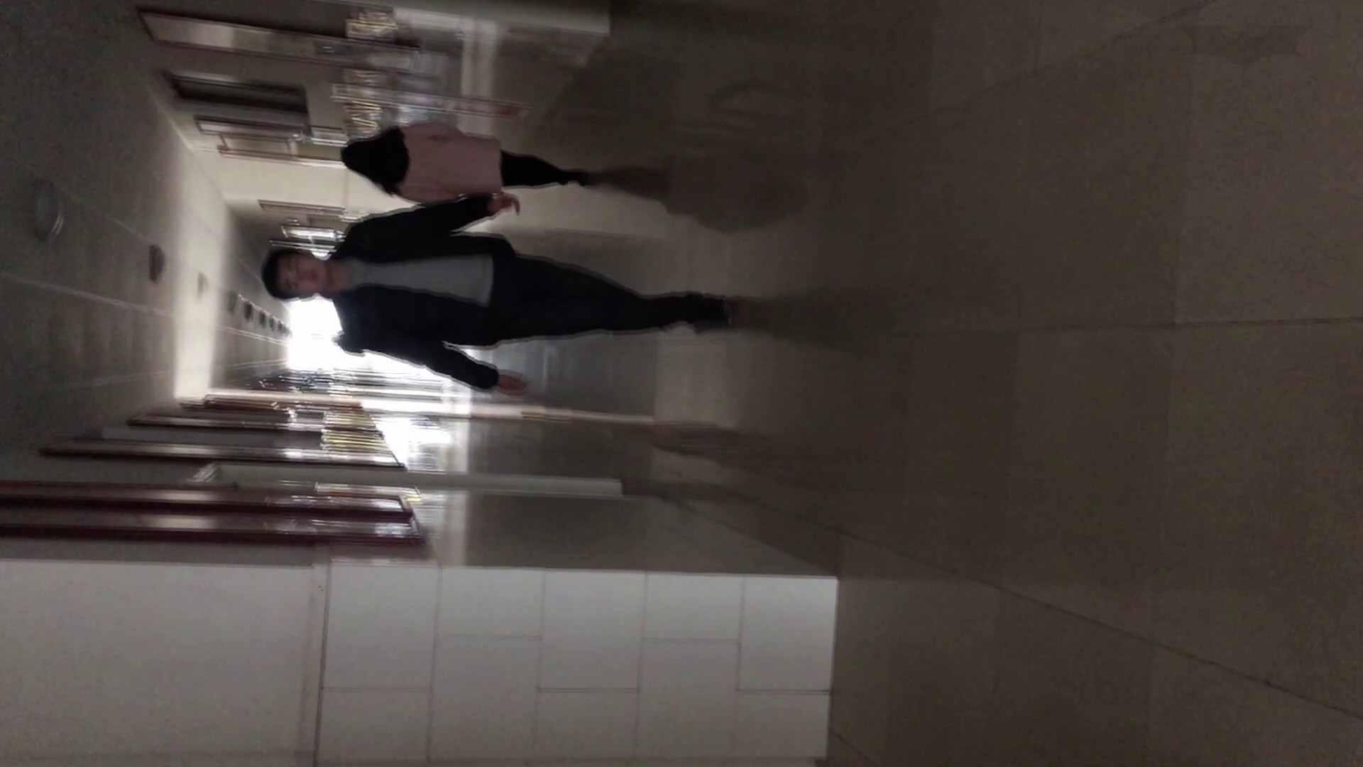 芸術大学ガチ潜入盗撮 JD盗撮 美女の洗面所の秘密 Vol.80 トイレ中 | 洗面所着替え  64連発 14