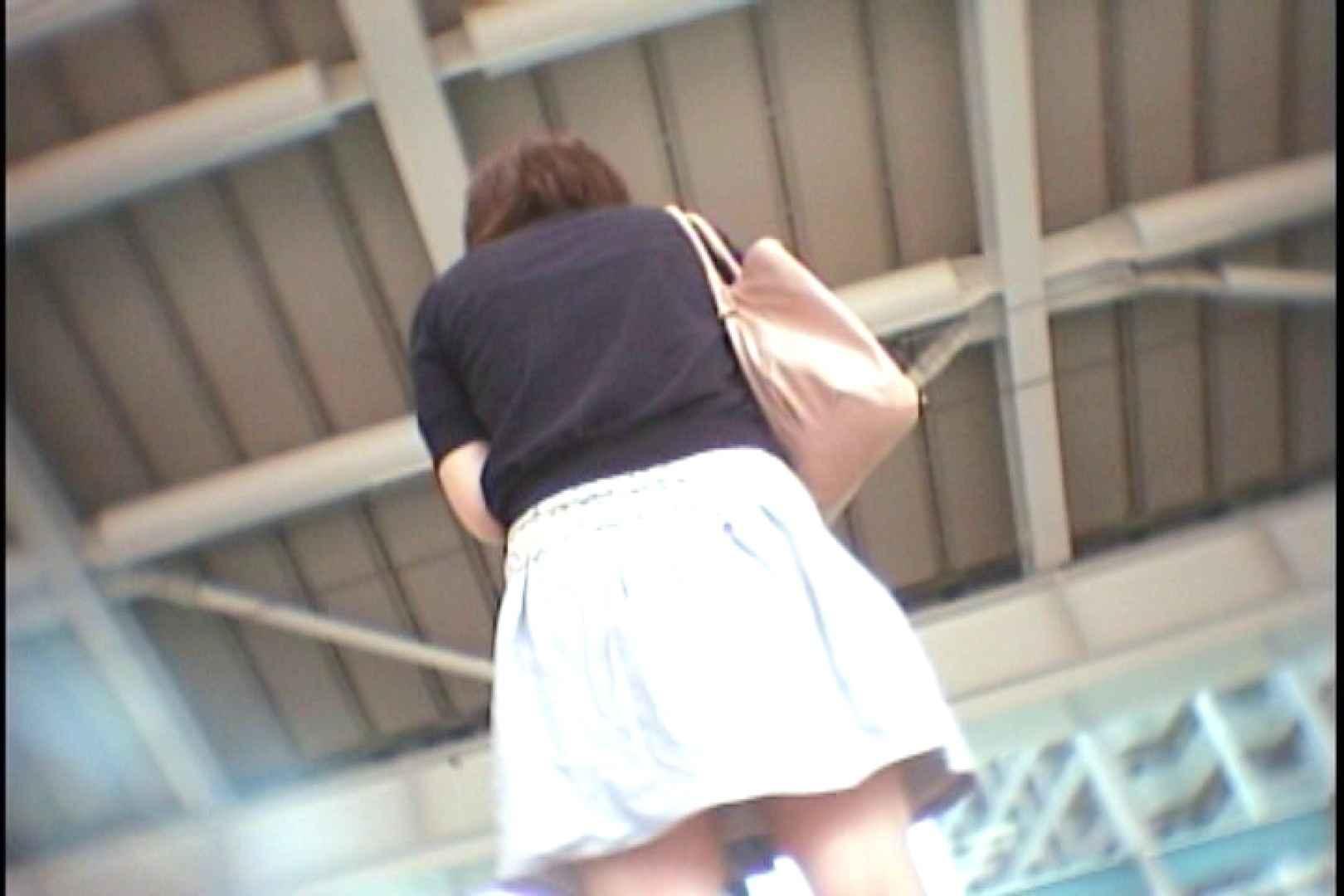 会員No.2 KAIさんのパンチラOL通勤の会 パンチラ   チラ  96連発 3