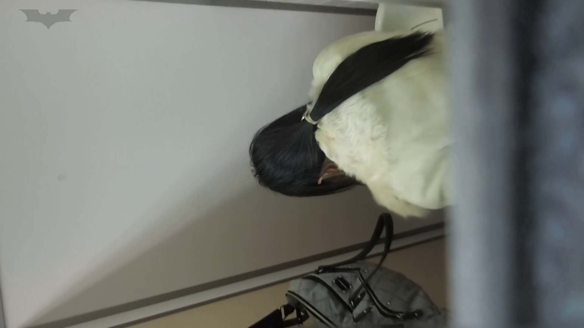 化粧室絵巻 駅舎編 VOL.22 季節外れの冬服特集!! OL   0  82連発 22