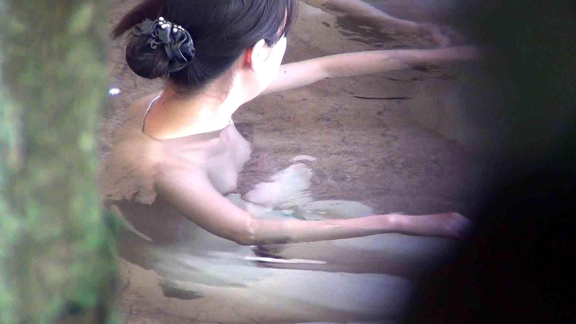 Vol.55 モッチリした肉質の色白お女市さま 露天風呂の女達 | OL  26連発 21