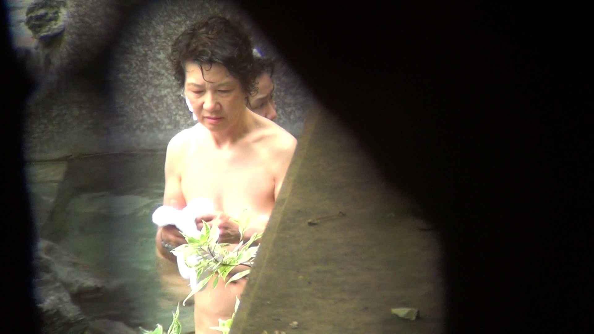 Vol.79 気の強そうなお女市さんの乳首は大きめのピンク 露天風呂の女達 | OL  52連発 52