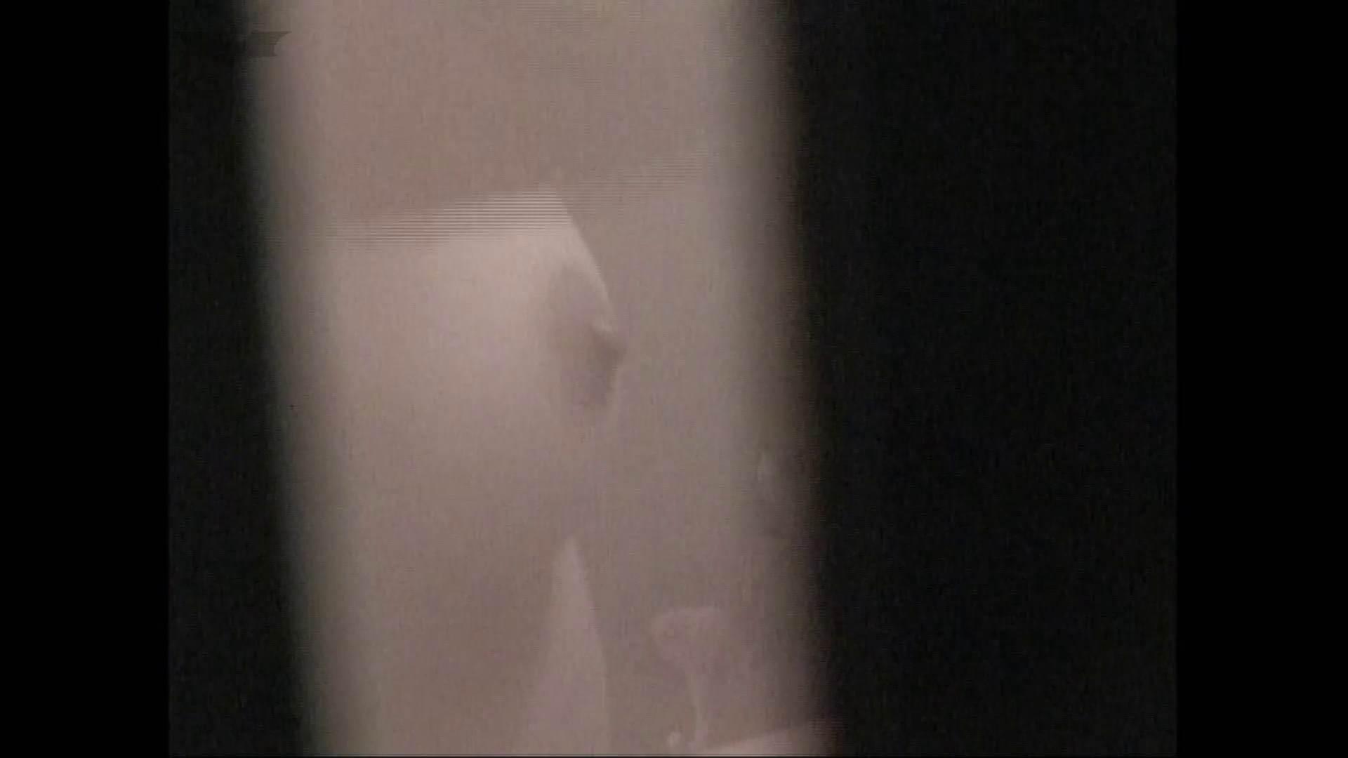 隙間からノゾク風呂 Vol.28 色白のロングヘアー美人がワシャワシャと。 OL   入浴シーン  53連発 13