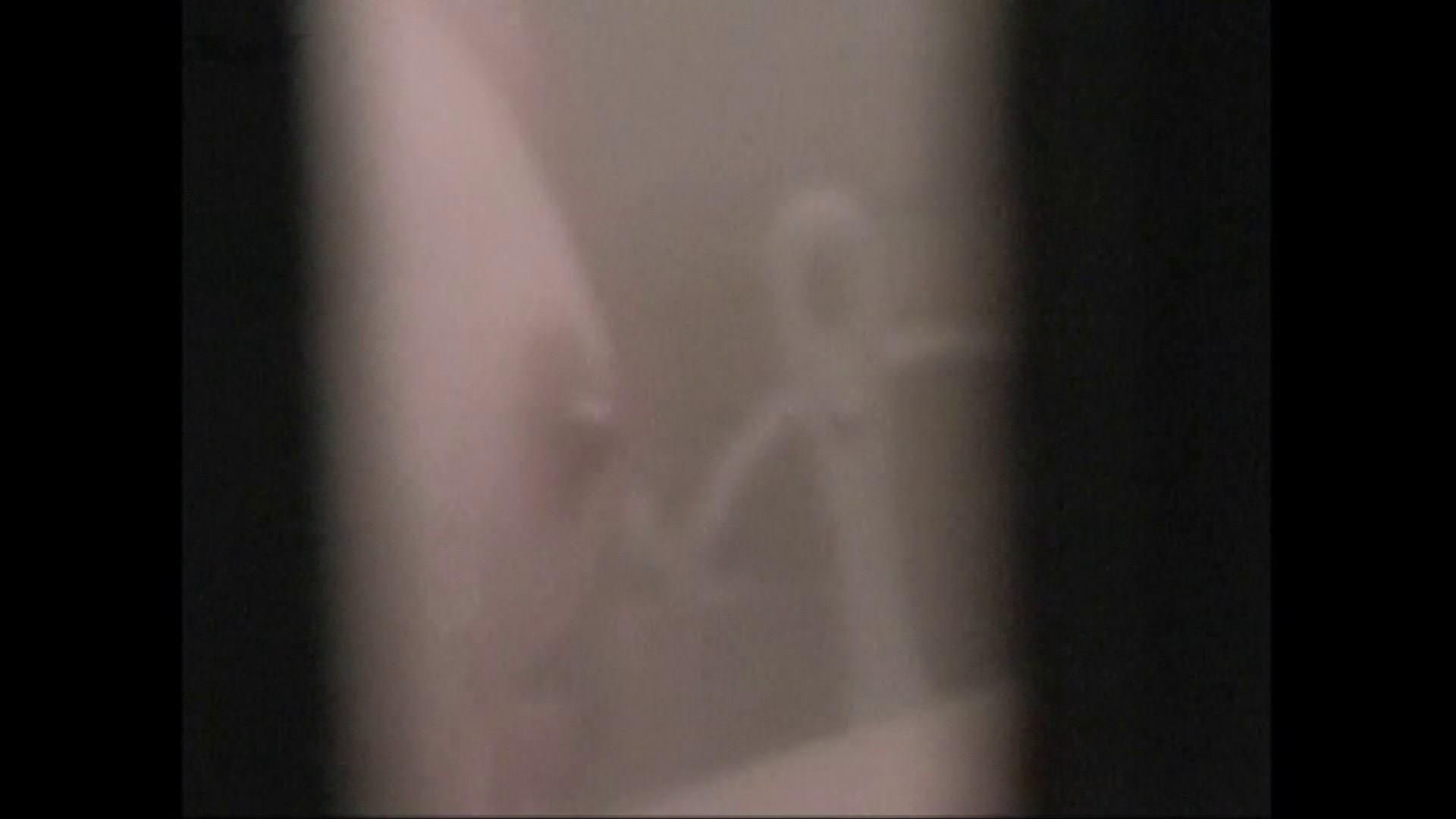 隙間からノゾク風呂 Vol.28 色白のロングヘアー美人がワシャワシャと。 OL   入浴シーン  53連発 46