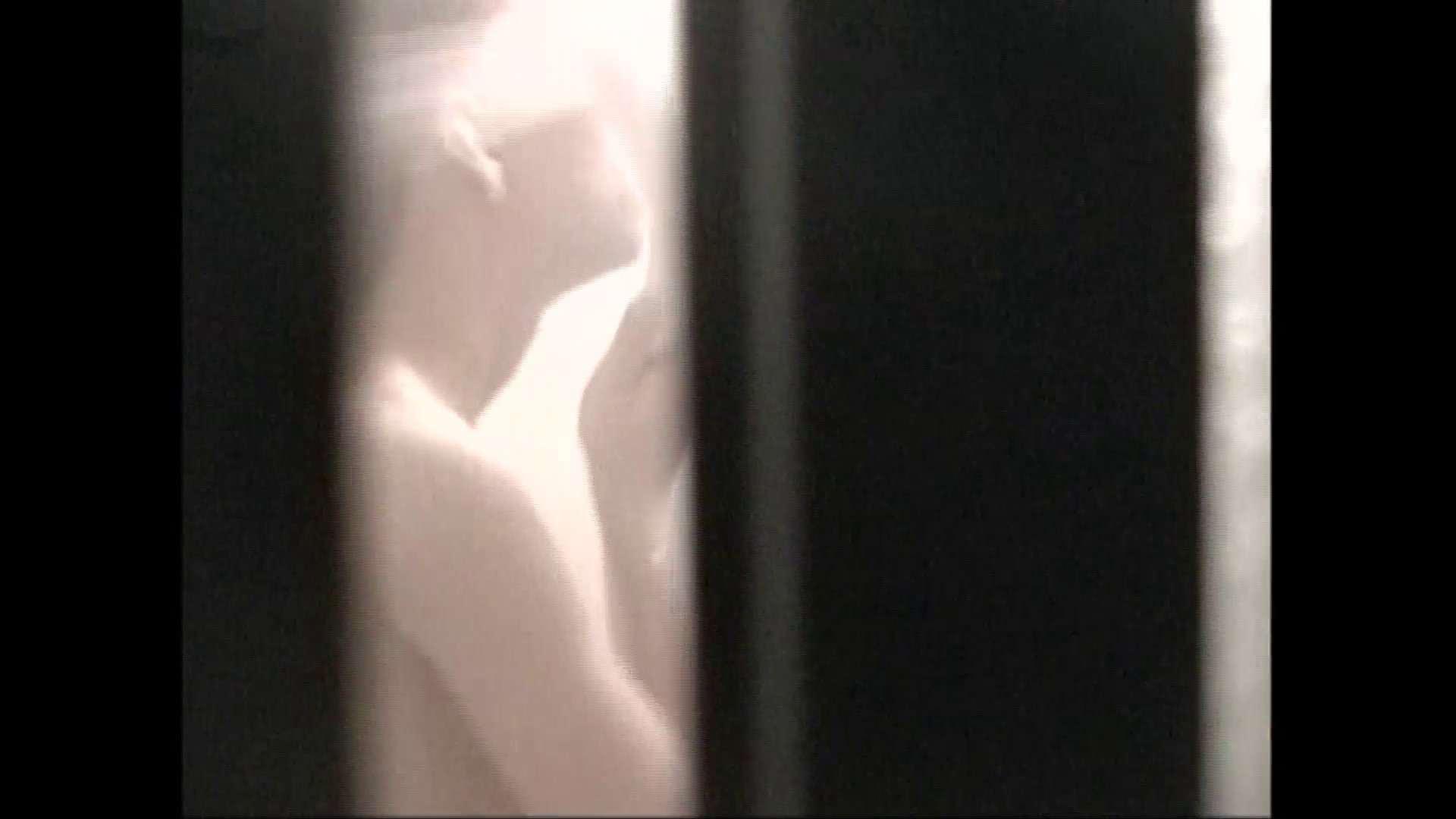 隙間からノゾク風呂 Vol.29 股をグイッとひらいて・・・。 OL   入浴シーン  89連発 69