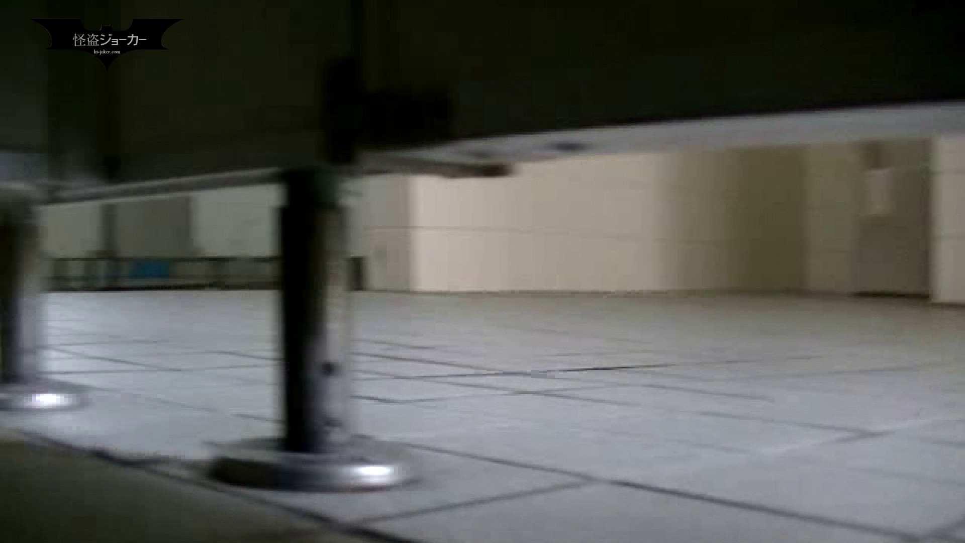 夏の思い出浜辺トイレ盗撮Vol.12 潜入エロ調査   OL  42連発 1