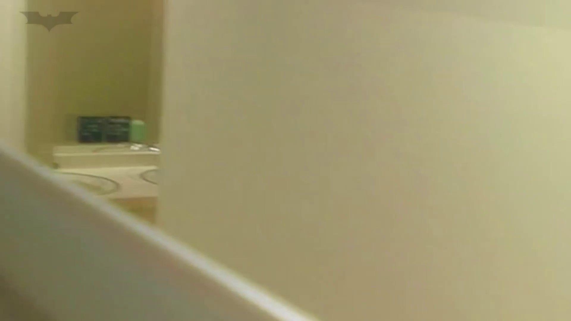 夏の思い出浜辺トイレ盗撮Vol.18 潜入エロ調査 | 盗撮エロすぎ  65連発 18