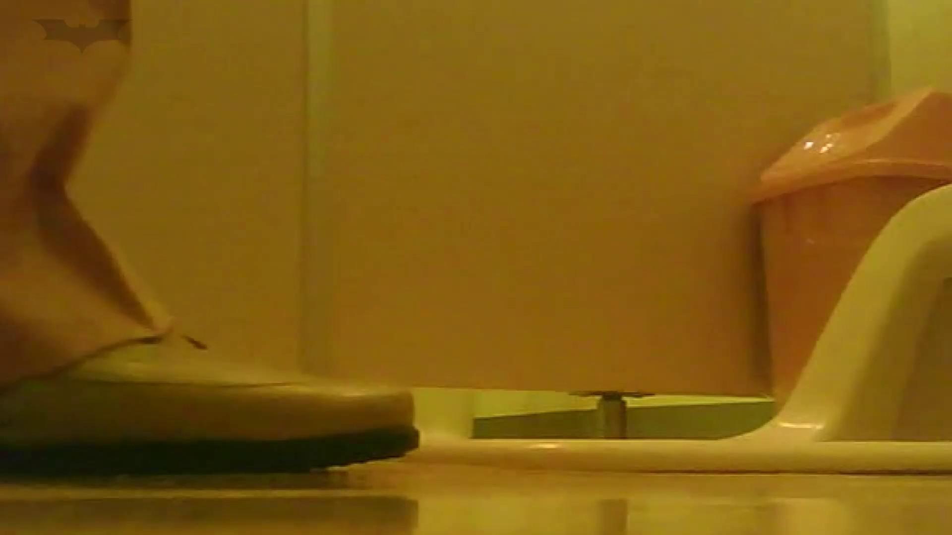 夏の思い出浜辺トイレ盗撮Vol.18 潜入エロ調査 | 盗撮エロすぎ  65連発 22