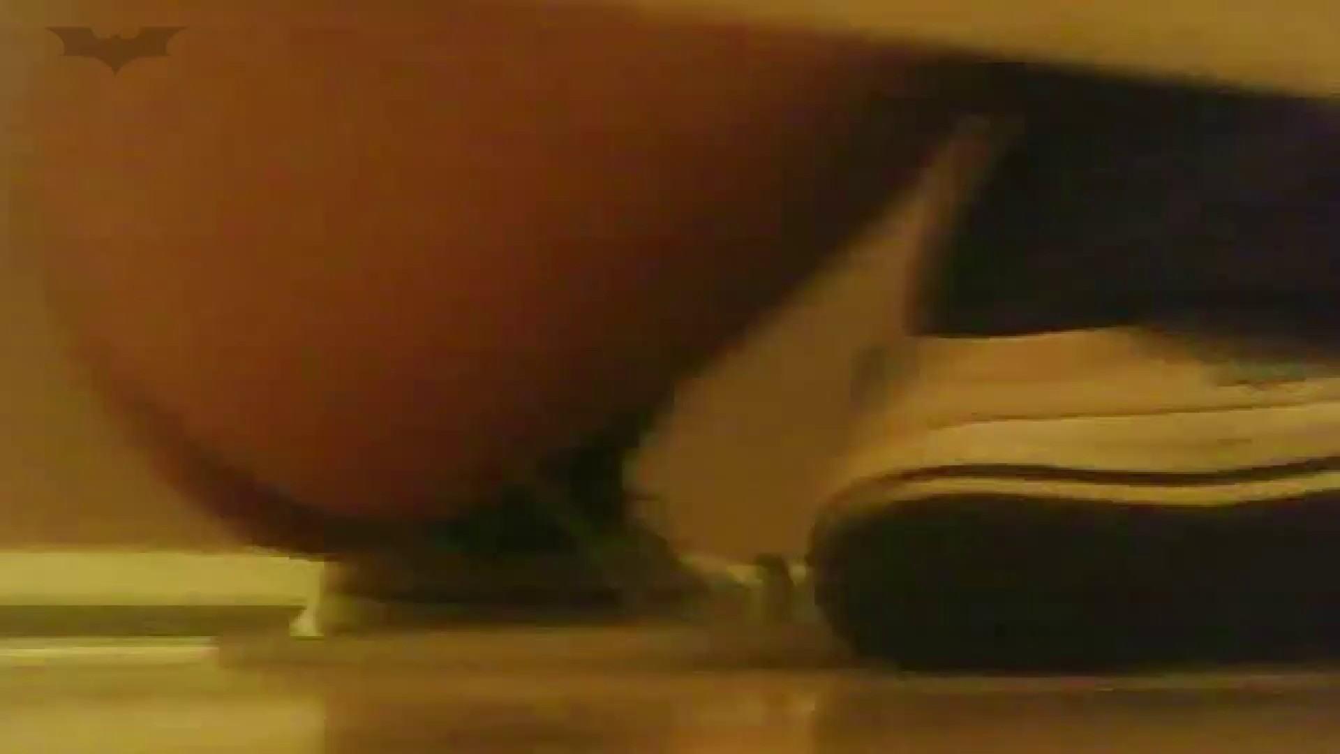 夏の思い出浜辺トイレ盗撮Vol.18 潜入エロ調査 | 盗撮エロすぎ  65連発 50