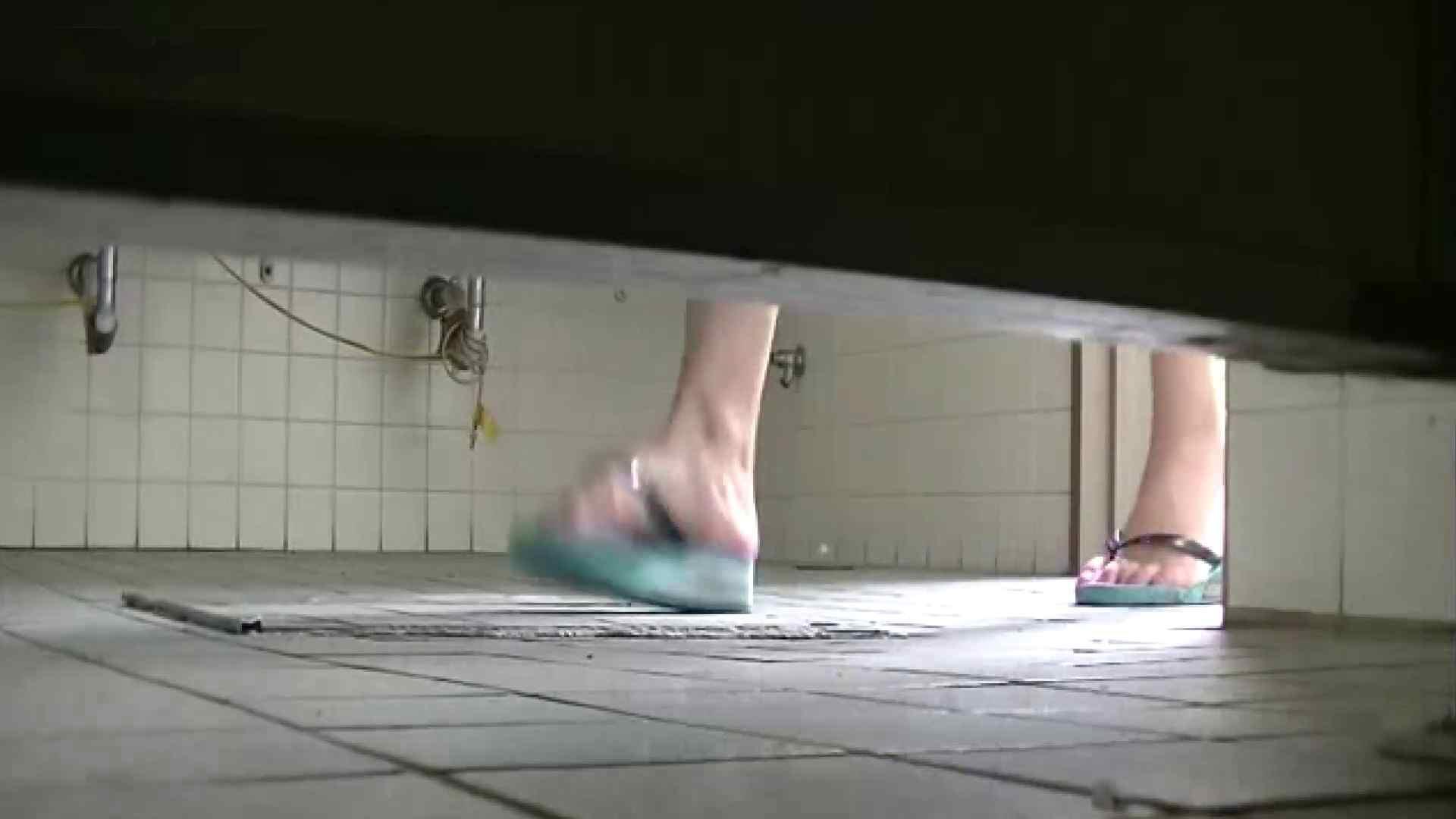 夏の思い出浜辺トイレ盗撮Vol.24 和式 | OL  78連発 40