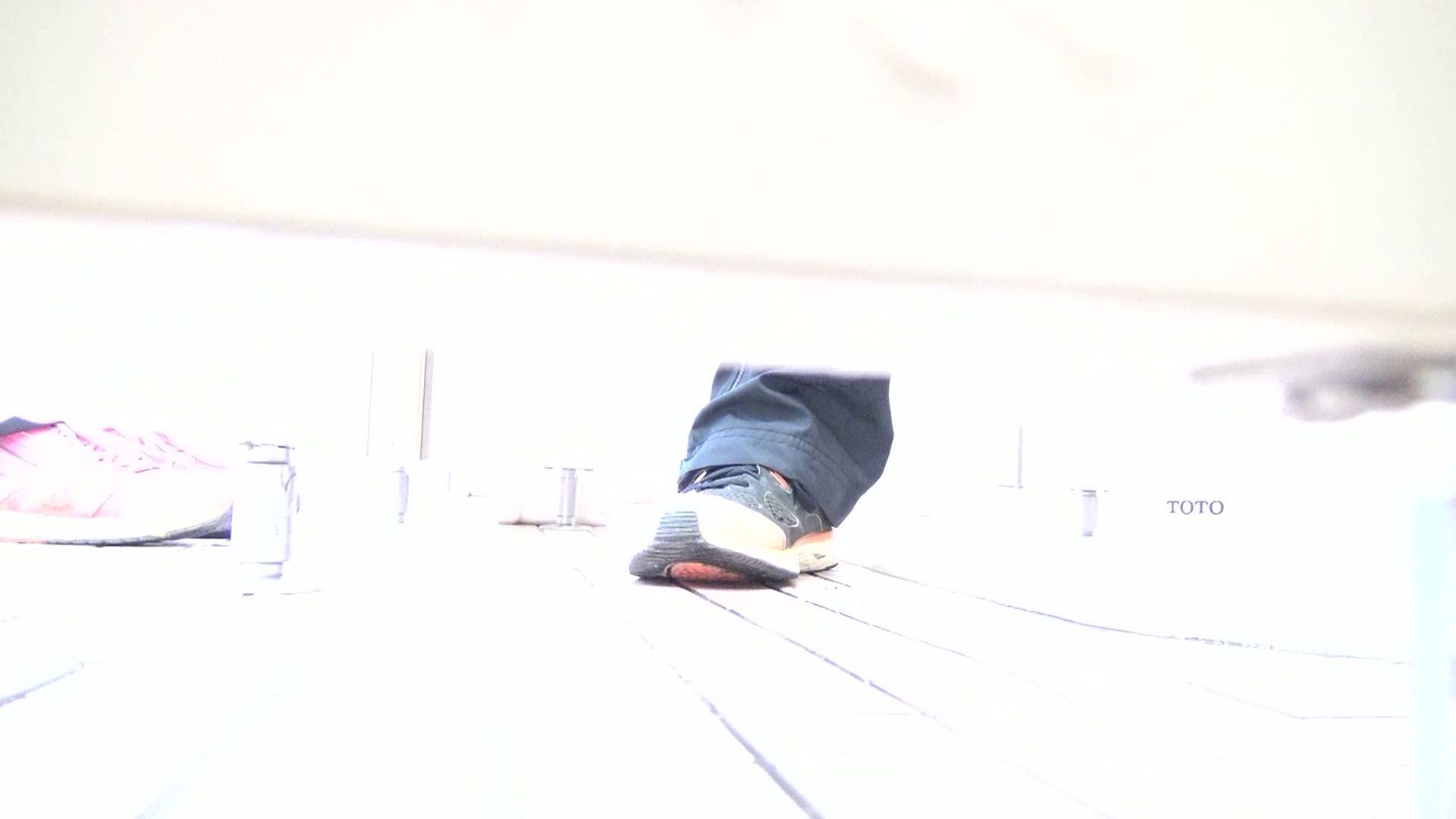 ▲期間限定D▲至高洗面所盗撮 25 至高の下方撮り!!若さ溢れる体育館編2!! 洗面所着替え | 盗撮エロすぎ  70連発 50